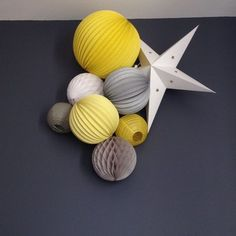 A room in yellow and gray. More ideas and kits to offer on our site: www.sous-the-lampi … by emibch Diy Makeup Table Ideas, Diy Dog Crate, Diy Wedding Bouquet, Paper Fans, Summer Diy, Easy Sewing Projects, Kidsroom, Girl Room, Baby Room