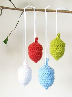 Acorn, Free pattern download from Ravelry, thanks so xox