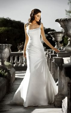 Lace wedding dress with sleeves by Essense of Australia. (Style D985)