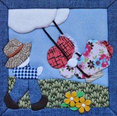 Caixa em MDF, forrada em tecido 100% algodão.  Tampa trabalhada em cartoon mousse (patch embutido)  As estampas dos tecidos podem variar de acordo como o estoque ou pedido do cliente.