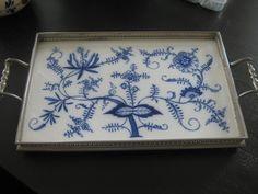 Zwiebelmuster Ceramic Tray.