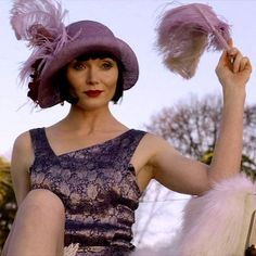 Miss Fisher's Murder Mysteries. Series Episode Murder on the Ballarat Train. Essie Davis as Phryne Fisher. 20s Fashion, Vintage Fashion, Film Fashion, Fashion History, Urban Fashion, Fashion Ideas, Belle Epoque, Miss Fisher, Retro Mode