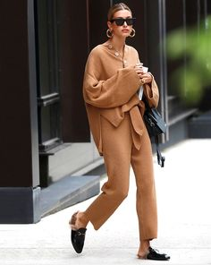Cozy Chic Loungewear Sets Your Wardrobe Is Craving Loungewear Outfits, Loungewear Set, Hailey Baldwin, First Date Outfits, Cool Outfits, Bar Outfits, Vegas Outfits, Woman Outfits, Khloe Kardashian