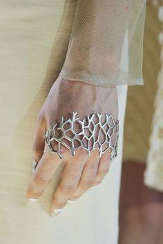 Gorgeous unusual cuff bracelet. Silver tone bracelet for knuckles