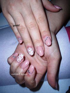 acrylic nails nude