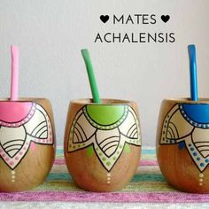 Juego De Mate De Madera Pintado A Mano - $ 800,00 en Mercado Libre Diy Arts And Crafts, Diy Crafts, Flower Pot Design, Teen Art, Posca, Gift Packaging, Flower Pots, Decoration, Decoupage