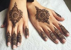 Mehndi henna designs are always searchable by Pakistani women and girls. Women, girls and also kids apply henna on their hands, feet and also on neck to look more gorgeous and traditional. Dulhan Mehndi Designs, Circle Mehndi Designs, Mehndi Designs Finger, Finger Henna Designs, Mehndi Designs For Beginners, Modern Mehndi Designs, Mehndi Design Pictures, Mehndi Designs For Girls, Mehndi Designs For Fingers