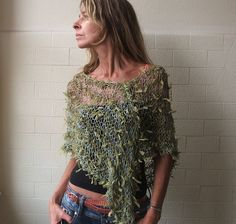 Green Poncho / Apple Green Ribbon loose knit Poncho by ileaiye Poncho Knitting Patterns, Knitted Poncho, Knitting Designs, Stitch Fit, Ribbon Yarn, Poncho Tops, Green Ribbon, Neck Scarves, Vestidos