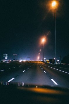 City Lights At Night, Night City, Night Aesthetic, City Aesthetic, Late Night Drives, Images Esthétiques, Night Vibes, Night Driving, Nocturne