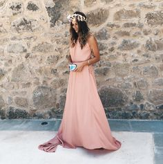 Let this wedding season mean one thing to you: the chance to wear a fun party dress or two! Cute Dresses, Beautiful Dresses, Casual Dresses, Wedding Guest Outfit Inspiration, Latin Wedding, Blogger Moda, Bridesmaid Dresses, Prom Dresses, Pink Gowns