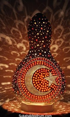 Mandala Painting, Dot Painting, Gourd Lamp, Diy Crystals, Wooden Lamp, Sticks And Stones, Lamp Design, Gourds, Metal Art