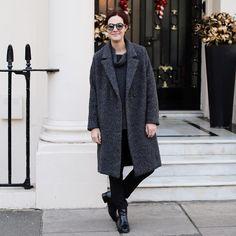 Winter greys wearing @fabianafilippi and enjoying December London - muito apego por esse meu casaco novo #fabianafilippi. Vic Ceridono | Dia de Beauté