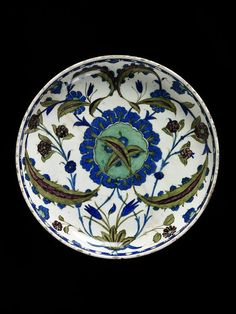 Dish - Victoria & Albert Museum - Search the Collections Glazes For Pottery, Ceramic Pottery, Pottery Art, Turkish Art, Turkish Tiles, Islamic Tiles, Islamic Art, Persian Blue, Pottery Designs