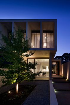 Modern Malvern House by Canny Design | http://www.designrulz.com/design/2013/05/modern-malvern-house-by-canny-design/