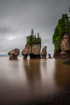 Flowerpot Rocks, part of the Hopewell Rocks in New Brunswick, Canada Backpacking Europe, Europe Travel Tips, Travel Deals, Europe Packing, Traveling Europe, Packing Lists, Travel Hacks, Travel Packing, Travel Essentials