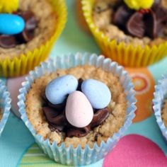 An easy recipe for a cute Easter treat! Easter Candy Cookie Cups for the win!