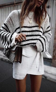 How to rock the casual chic look White Skirt Outfits, Winter Skirt Outfit, Cute Winter Outfits, White Skirts, Spring Outfits, Casual Outfits, Winter Clothes, Striped Skirt Outfit, Mini Skirts