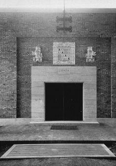 Santiago Sierra, Spanish Artists, Conceptual Art, Architecture, Php, Contemporary Art, Venice, Artworks, Artists