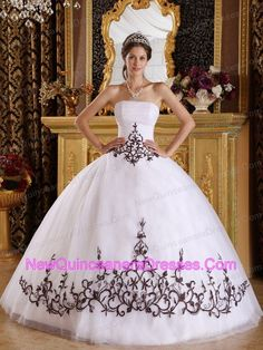 http://www.newquinceaneradresses.com/hot_sell-quinceanera_dresses  2014 Autumn Simple Brand new Lilac and Violet Sweet 15 Gown Dress