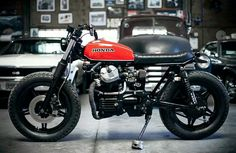 Yet another CX500 Honda. Looks like it has a different smaller Honda tank.