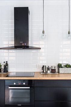 The 20 Best Ideas for Modern Kitchen Design - Best Home Ideas and Inspiration - 65 Gorgeous Modern Scandinavian Kitchen Design Trends - Black Kitchen Cabinets, Black Kitchens, Kitchen Tiles, New Kitchen, Home Kitchens, White Cupboards, Dark Cabinets, Kitchen Black, Medium Kitchen