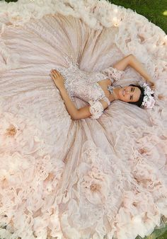 Tulle Ball Gown, Ball Gowns, Charro Quinceanera Dresses, Quinceanera Ideas, Quince Pictures, Book 15 Anos, Quinceanera Photography, Girl Photo Shoots, Bridal Photoshoot
