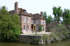 Groombridge Place, Kent | 16 Gorgeous Locations From Pride And Prejudice You Can Actually Visit