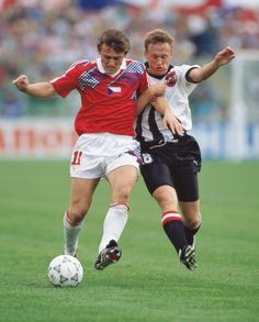 One of my fav's kit desing ever: Austria, by Puma, and Czechoslovakia, by Adidas.