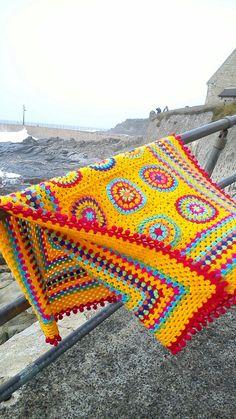 Bobble edge granny circle blanket by Crochet Maid