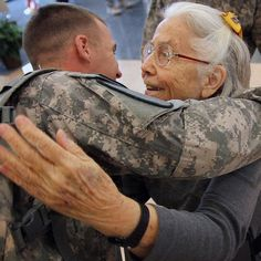 """Elizabeth Laird known as the """"hug lady"""" of #FortHood boosted the spirits of thousands of American soldiers by sending them off with a hug. Now those soldiers are rallying to her side as she fights cancer. A GoFundMe page has been set up to help pay for Lairds medical bills. Find out more about this story at FoxNews.com. (Photo Credit: AP/The Killeen Daily Herald Marianne Lijewski) by foxnews"""