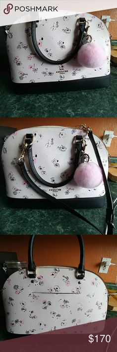 Coach floral purse Looks gorgeous and classy. Original price tag $395 Coach Bags