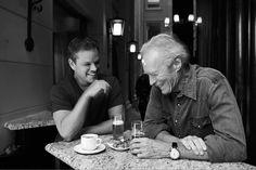 Nigel PARRY - Matt Damon et Clint Eastwood un verre à la main