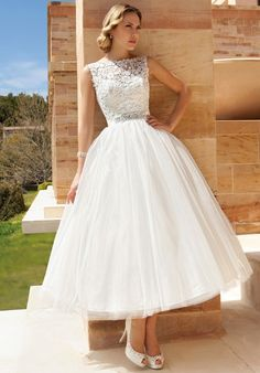 Sleeveless cocktail length wedding dress | Demetrios DR193 | http://knot.ly/649988ofR