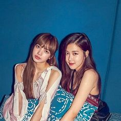 Image uploaded by 阿什利. Find images and videos about chaelisa on We Heart It - the app to get lost in what you love. Asian Games, Girl Celebrities, Park Chaeyoung, Kim Jennie, Pretty Girls, We Heart It, Wattpad, Kpop, Film