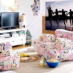 site is for Dorm Rooms but great ideas for the home too!