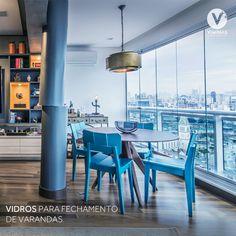 Se tem uma coisa que não pode faltar em uma varanda é segurança. É por isso que o vidro temperado Viminas é o mais indicado para os fechamentos, por ser altamente resistente a impactos, além de deixar o seu ambiente incrível. ✨ A Viminas produz temperados de alta qualidade e segurança, sendo certificada pela NBR 14698 - Vidro temperado.  Encontre Viminas nas melhores vidraçarias! 💙 Terrace, Backgrounds, Environment, Houses