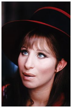"Barbra Streisand as Fanny Brice in her Oscar winning role in ""Funny Girl"" The last musical of the ""Golden Era"". Look at that face! Funny Girl Musical, Funny Girl Movie, Jazz, Brooklyn, Broadway, Cinema, Funny Pictures With Captions, Barbra Streisand, Girls Makeup"