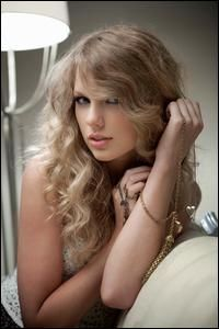 Taylor Swift.  Click Image to view Biography and Discography