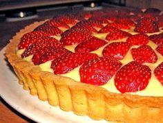 Es una tarta muy fácil con pocos ingredientes y todos ellos ricos.