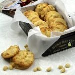 Macadamia & White Choco Cookies Perfect with a cup of tea or glass of milk! #cookies #easyrecipe #chocolate
