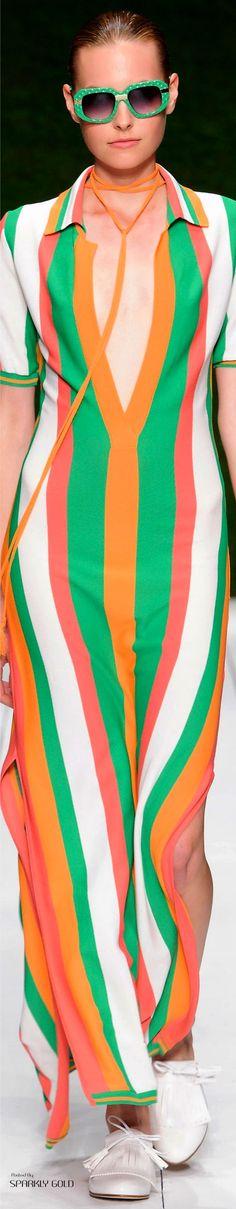 Laura Biagiotti Spring 2017 RTW Colorful Fashion, Unique Fashion, Love Fashion, Fashion Art, Spring Fashion, Fashion Show, Vintage Fashion, Fashion Outfits, Fashion Design