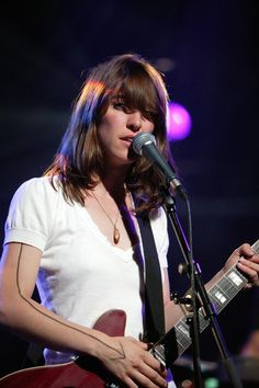 Feist. my main musical inspiration...and has been since i first bought 'The Reminder' on a whim at HMV on sunny afternoon... :)