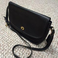AUTHENTIC Vintage Coach Lady s Black Leather Handbag Shoulder Bag Purse  E4D-9790  Coach  ShoulderBag 3559792438