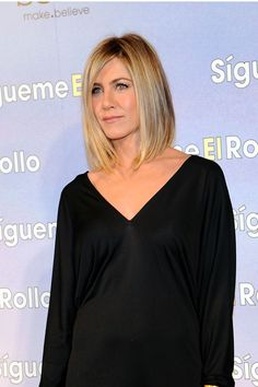 Jennifer Aniston Hair - Pictures of Jennifer Aniston Hairstyles promi frisuren Gasp! Jennifer Aniston Finally Does Something Different With Her Hair Jennifer Aniston Pictures, Jenifer Aniston, Jennifer Aniston Long Hair, Great Hairstyles, Celebrity Hairstyles, Latest Hairstyles, Weave Hairstyles, Wedding Hairstyles, Bad Hair