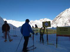 Der Eingang zur Talabfahrt am Pitztaler Gletscher.. Foto: Doris