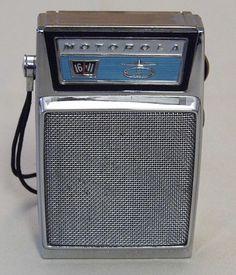 Vintage Motorola 6-Transistor Radio, Model X15N-1, Made in Japan.