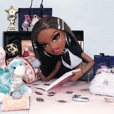 The original Queen B 🐝👑 Cartoon Profile Pictures, Cartoon Pics, Vintage Grunge, Vintage Black, Black Bratz Doll, Brat Doll, Bratz Girls, Fashion Dolls, Fashion Outfits