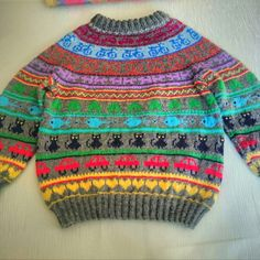 Genser strikka i restegarn av Silja Knitting For Kids, Crochet For Kids, Free Knitting, Baby Knitting, Fair Isle Knitting Patterns, Knit Patterns, Big Knit Blanket, Little Cotton Rabbits, Big Knits