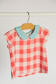 Sewing Blouse Red gingham with a pale blue peter pan collar. Look Fashion, Kids Fashion, Pretty Outfits, Cute Outfits, Peter Pan, Red Gingham, Kid Styles, Mode Inspiration, Sewing For Kids