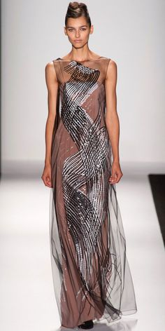 Our top 8 looks from the Carolina Herrera spring/summer 2014 show at New York Fashion Week. Ny Fashion Week, New York Fashion, Spring Fashion, High Fashion, Fashion Show, Fashion Design, Carolina Herrera, Style Couture, Couture Fashion